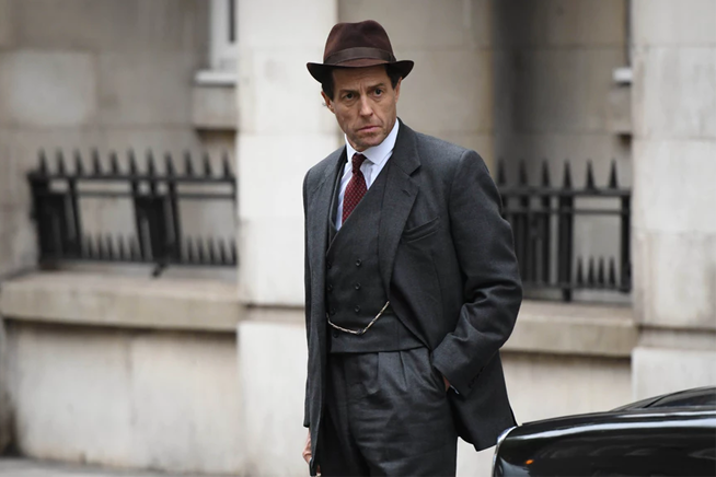 Hugh-Grant-gay-in-A-very-English-Scandal-coolcuore