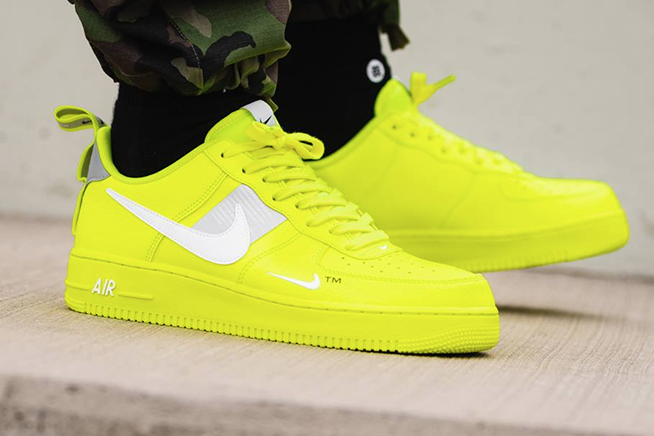 Nike-Air-Force-1'07-LV8-Utility-Volt-coolcuore